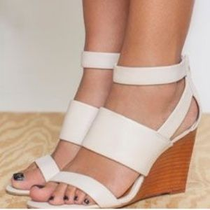 Seychelles Strappy White Leather Wood Wedge 7.5